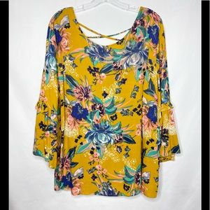NWT AVA & VIV Boho Floral Bell Sleeves Top